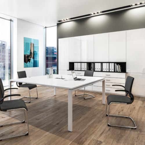 Büroland Konferenzraum gestaltet mit Assmann Büromöbeln
