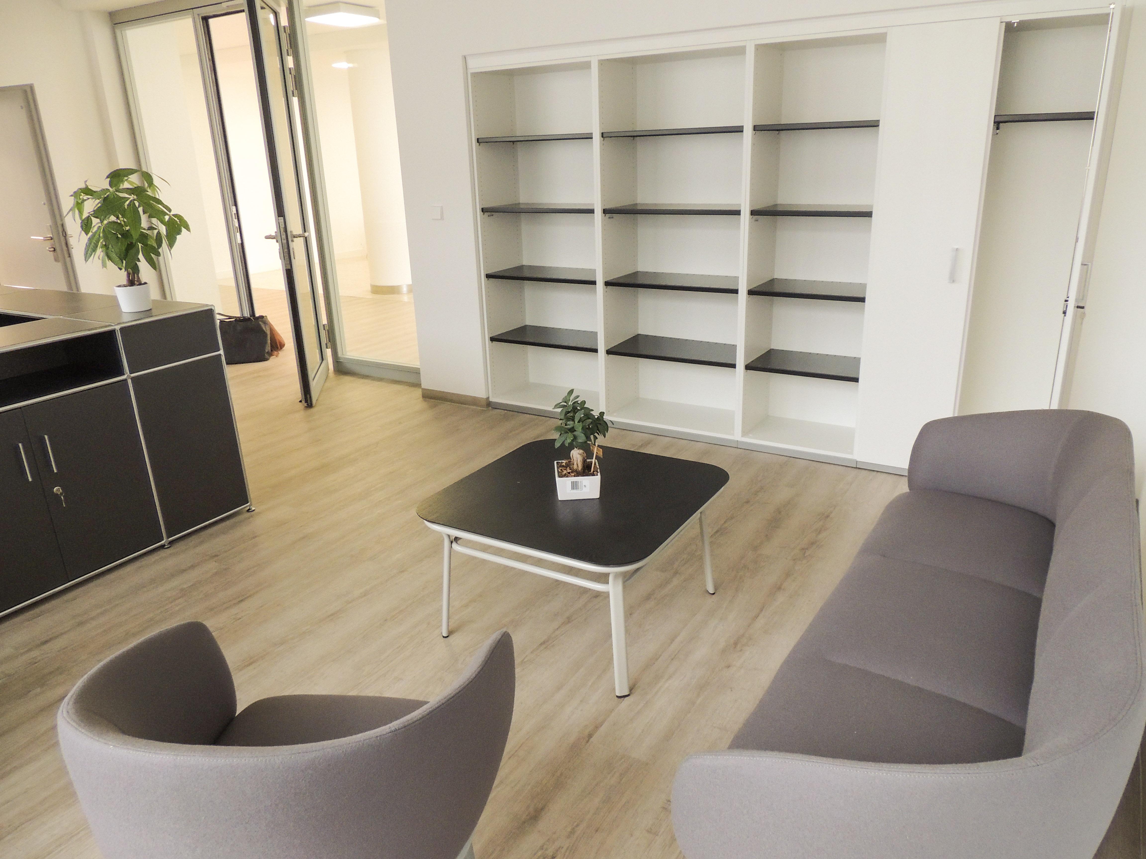 Entspannt sitzen im Büro von Büroland GmbH
